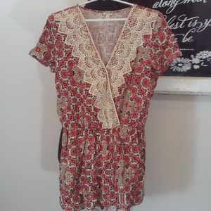 Eyeshadow Lace Front Romper Size Large